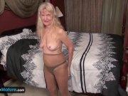 Masturbaciones vaginales con abuelas cachondas | Maduras Peludas