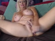 MILF Slut Play Dildo On Webcam - CamForPorn
