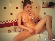 Amateur Milf Squirts in the Shower