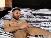 Bearded stud wanks his trimmed pecker