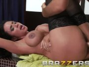 Brazzers - Ariella Ferrera & Keiran Lee - Laying the Cleaning Lady