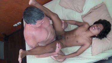 Daddy Barebacks Asian Boy Russel