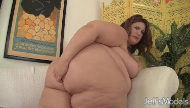 Huge Honey Masturbates Her Fat Cunt with a Thick Dildo