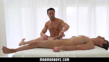 MormonBoyz-Young stud gets Mormon muscle daddy's big dick