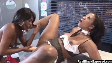 Realblackexposed two hotties lick each other to climax 4