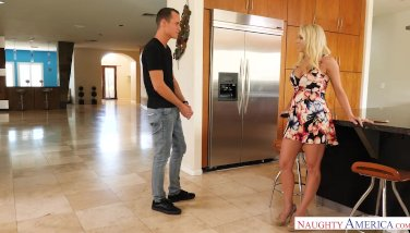 Blonde stepmom Katie Morgan loves son