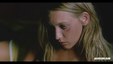 Ludivine Sagnier Sex and Nude in Swimming Pool