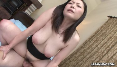 Asian wife got her hairy pussy drilled after a 69