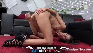 Wetandpuffy - Miky Masturbates - Taco Pussy