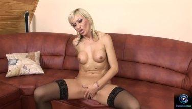 Hottie babe Betti Cane pleasures herself