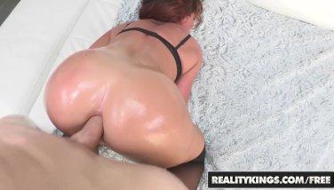 Reality Kings - Savannah Fox & Chris Strokes - Sexy Savannah anal