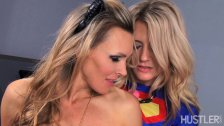 2 hotties get naughty with CosPlay