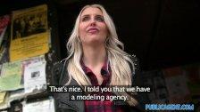Rychly prachy – Britská blondýnka to chce natvrdo