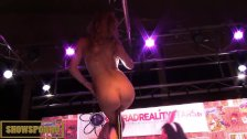 Hot blnde strp pole dance on stage