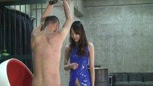 Japanese femdom Risa slapped the face