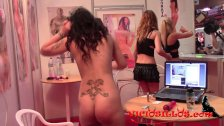 Ana Marco masturbada por Victoria Blonde SEB
