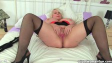 Big titted and British milf Sammy Sanders