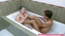 Playful daddy sucking pinoys toes before anal