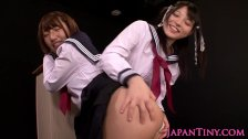 Tiny japanese les schoolgirls fingering