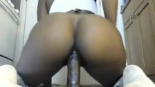 Big booty ebony riding dildo on webcam