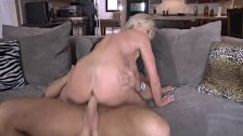 The Sweet Housewife NakedCamWomenDotcom