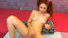 18yo teen rubbing her pussy