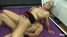 Reife Swinger - Mature German slut Jana L. can't get enough of threesomes