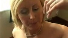 kinkyandlonelycom Hot mom takes facial