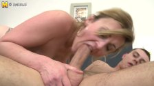 Super hot milf fucking like a l kinkyandlonel