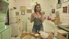 Annalisa Santi en El mundo de Playboy 5 - Capitulo 2