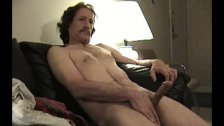 Mature Amateur Pete Beats Off