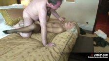 Echtes Sextreffen im Hotel - Banker fickt Friseuse