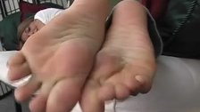I will kiss toes of the girl and leak them with my tungue and put them
