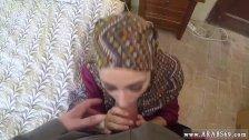 Arab girlfriend and arabe gros seins She
