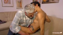 Hausfrau Ficken - Tattooed German housewife fucked in amateur sex tape