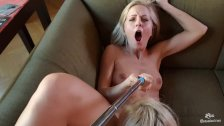 Los Consoladores - Consoling threesome for Spanish babe with hot Hungarian