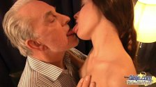 Teen hot exgirlfriend likes rough pounding facial with her old boyfriend