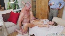 Jacuzzi handjob Molly Earns Her Keep