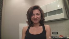 Horny housewife prepares for the webcam adventure