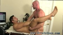 Gay bodybuilders kissing xxx After face