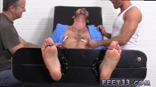 Free foot boy gay movie and leg holding