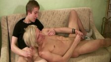 Alt euro twink drops cumload after raw bang