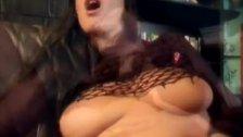 Hot woman seeks satisfaction