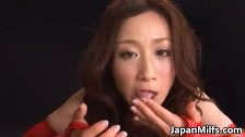 Horny Japanese MILF sucking