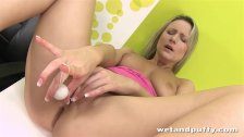 Samantha J wants her pussy really puffy