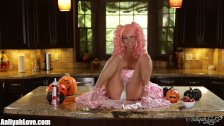 Aaliyah Loves halloween party