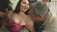 Finger Banging BBW Jane Gets It On