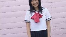 Yukari Fujima shows curves under uniform