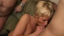 Amateur girlfriend gangbang with many facials