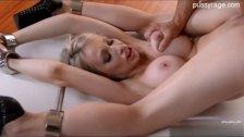 Sexy model creampie pussy
